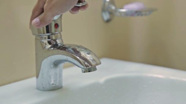 3 dicas para economizar água fácil e simples